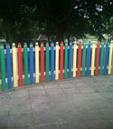 Square thumb palisade coloured pencil fencing
