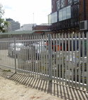 Square thumb triple pointed steel palisade
