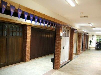 Primary thumb showroom 1  500x375