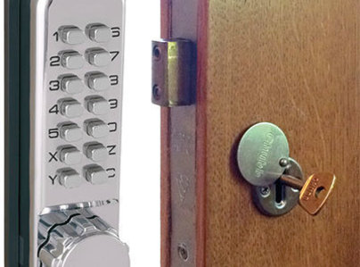 Primary thumb locks2