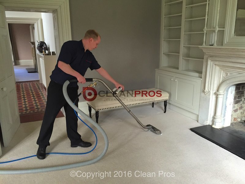 Gallery large gallery large man carpet cleaning.1  1