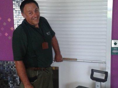 Primary thumb roller shutter installation