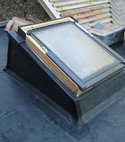 Square thumb roof light