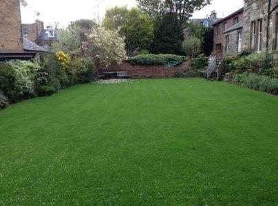 Primary thumb edinburgh lawn04 400 300 75 s c1