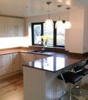 Square thumb sayer kitchen 1