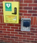 Square thumb defibrillator 5