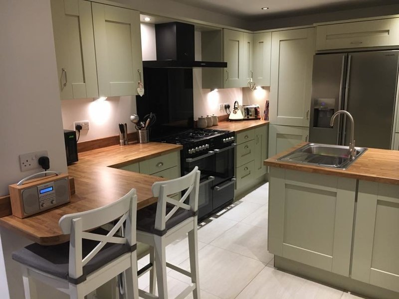 Direct kitchens kitchen fitters in sheffield south - Designer kitchens direct sheffield ...