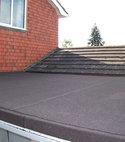 Square thumb flat roof felting