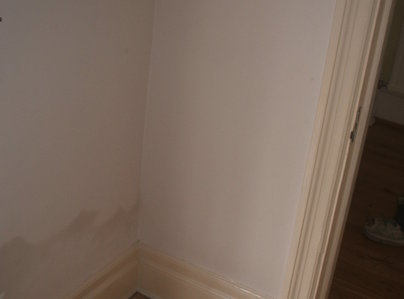 Primary thumb rising damp on internal wall