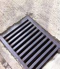 Square thumb drain