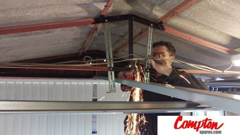 Compton Spares Com Roofers In Chesterfield Derbyshire