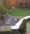 Square thumb circle in slate garden