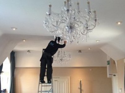 Primary thumb chandelierinstallation2 w300h300