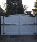 Square thumb electric gates and post lighting 1 w300h300