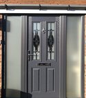 Square thumb grey comp door