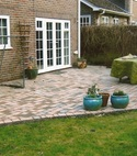 Square thumb curvededgepatio 001