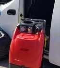 Square thumb x tract carpet cleaning machine