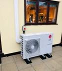 Square thumb airs source heat pump