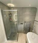 Square thumb bathroom 1