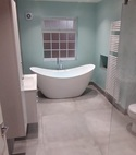 Square thumb large bathroom