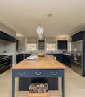 Square thumb approved used kitchen  very large neptune  sussex    194
