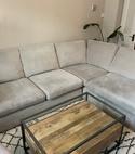 Square thumb sofa
